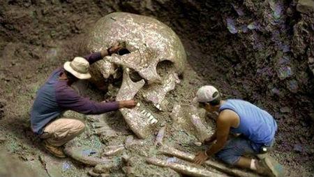 atrasti Bībelē minēto milžu kauli