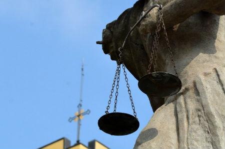 baznīca un tiesa