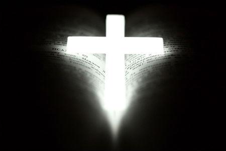 caur Kristu Tēvs mūs mīl, bet bez Viņa - ienīst