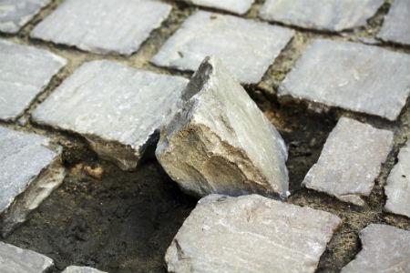 klupšanas akmens neticīgajiem