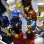 lego-sieviete-sveta-petera-laukuma