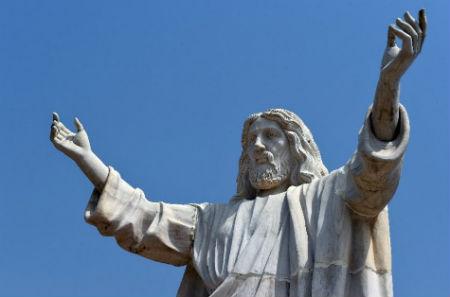 lielākā Jēzus statuja Āfrikā