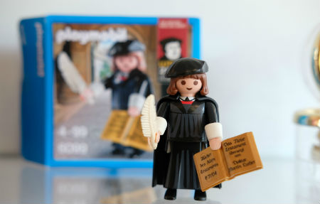 Mārtiņš Luters gāž veikalu plauktus