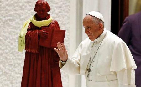 Pāvests netradicionāli izteicies par Luteru