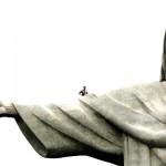 Tomsons uz Pestītāja statujas rokas