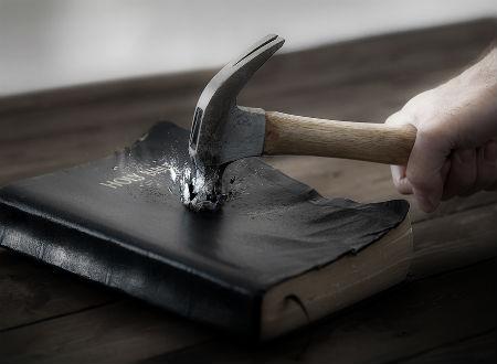 cīņa par Svēto Rakstu izpratni, spēkā esamību un izskaidrošanu