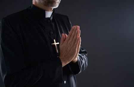 Garīgā amata uzdevums ir lūgt par citiem