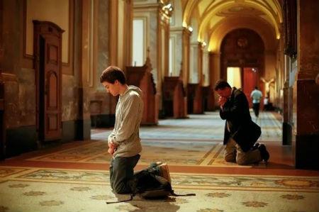 Grēku nožēlošana ir cieši saistīta ar Kristību un Svēto Vakarēdienu