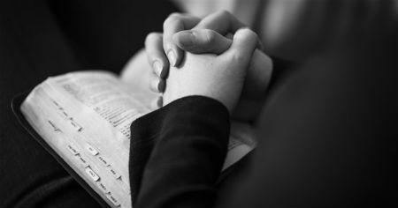 Kas tiek lūgts kristīgā lūgšanā