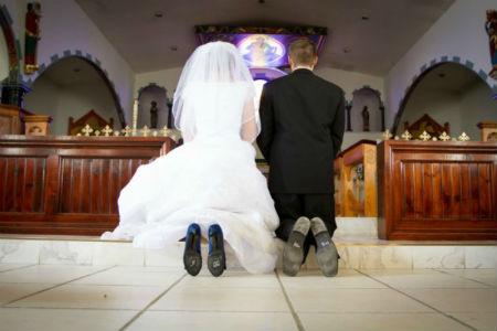 Laulība Bauslības un Evaņģēlija skatījumā