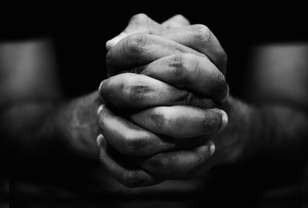 Lūgt par pasauli un nelūgt par pasauli
