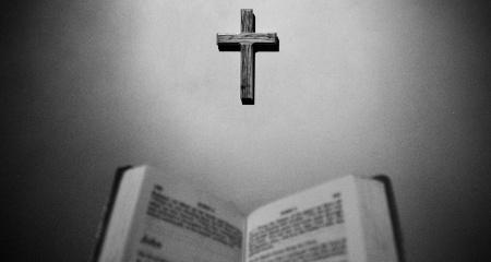 Neticības avots, kas noraida Bībeli un Kristus evaņģēliju