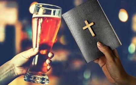 Noskaidrota konfesija, kuras pārstāvji visvairāk lieto alkoholu
