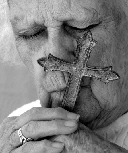 Noskaidrots, cik Latvijā dzīvojošo sevi uzskata par kristiešiem