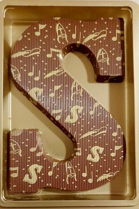 """Šokolādes """"S"""" burts par godu Santaklausam"""