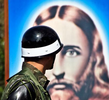 Svēto Rakstu mācība aizsardzības jautājumos
