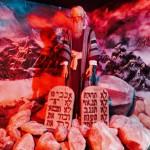 Mozus un bauslības-plāksnes